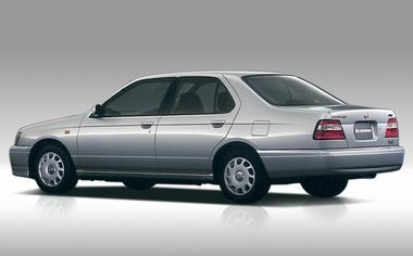 Nissan Bluebird 2