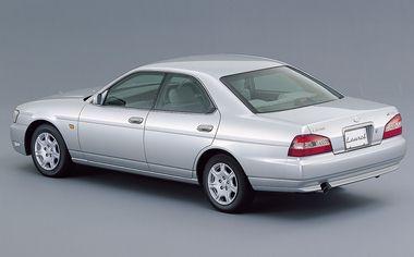 Nissan Laurel 2