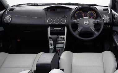 Nissan Avenir 3