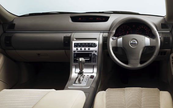 Nissan Stagea 4