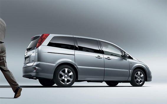 Nissan Presage 2