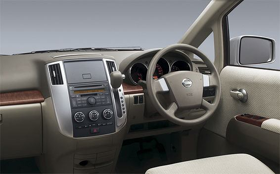 Nissan Presage 3