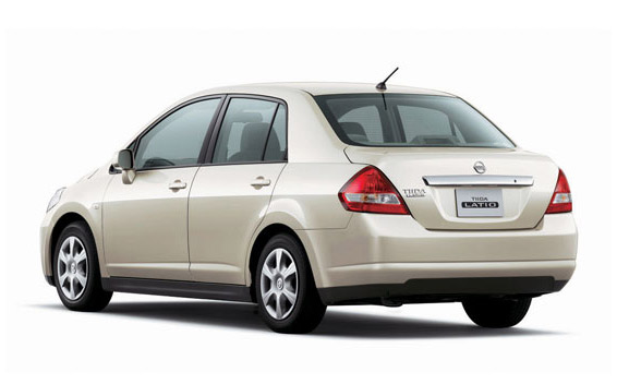 Nissan Tiida Latio 2