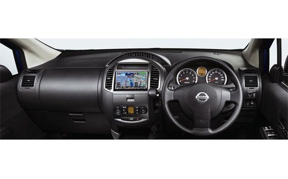 Nissan Lafesta 5