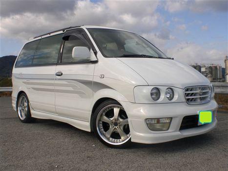 Nissan Largo 2