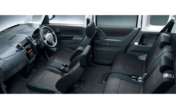 Nissan ROOX 5
