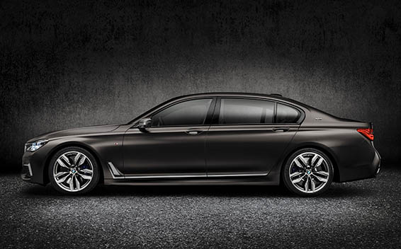 BMW 7 Series 32