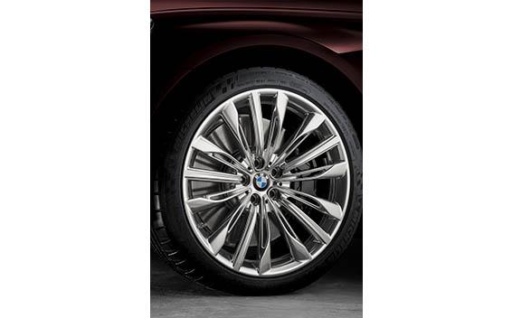 BMW 7 Series 40