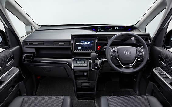 Honda Step WGN Modulo X 5