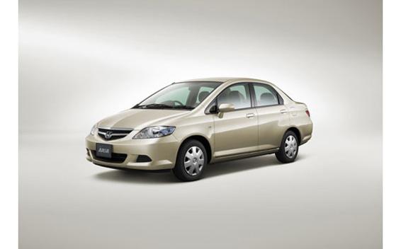 Honda Fit Aria 1.5A 4WD CVT 1.5 (2007)