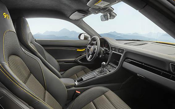 Porsche 911 Coupe 10