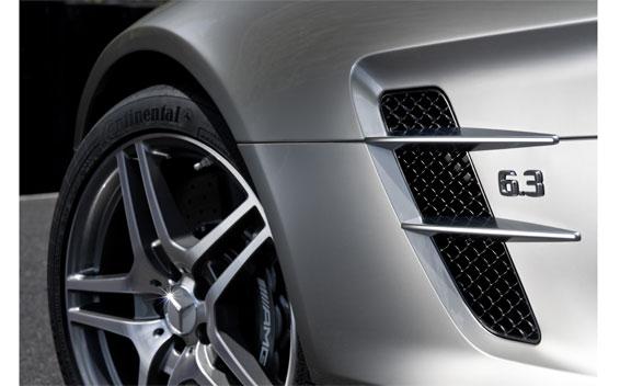 Mercedes-Benz SLS AMG 16