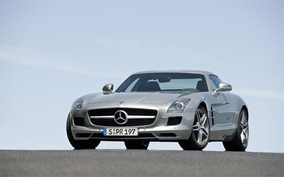 Mercedes-Benz SLS AMG 18