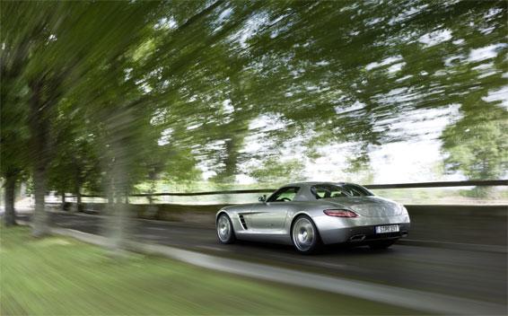 Mercedes-Benz SLS AMG 22