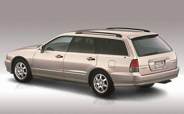 Mitsubishi Diamante Wagon 2