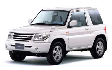 Mitsubishi Pajero iO PEARLPACKAGE II NAVI EDITION 4WD AT 5DOOR (2000)