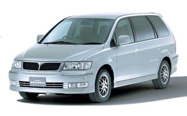 Mitsubishi Chariot Grandis 1