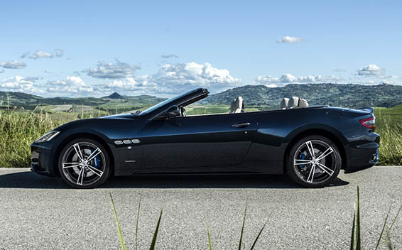 Maserati Gran Cabrio 4