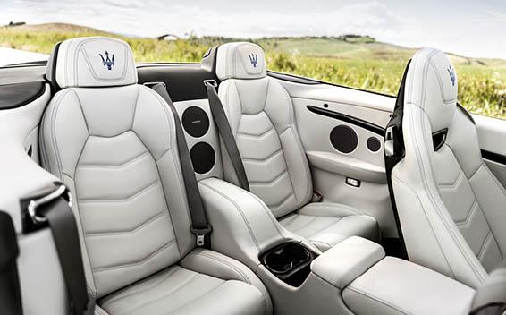 Maserati Gran Cabrio 14