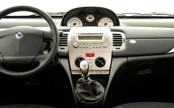 Lancia Ypsilon 4