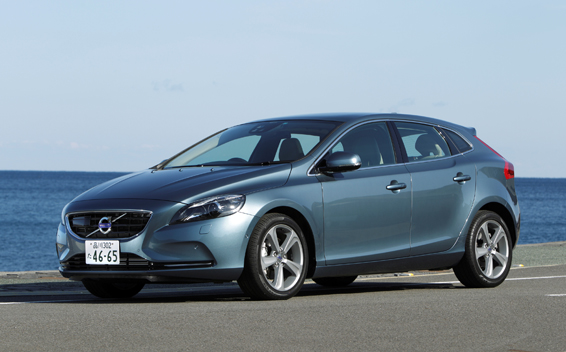 Volvo V40 T4 SE RHD AT 1.6 (2013)