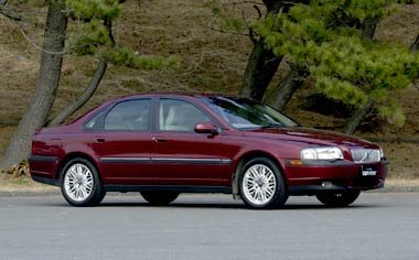 Volvo S80 T-6 EXCLUSIVE PACK LHD SED AT 2.8 TURBO (2001)