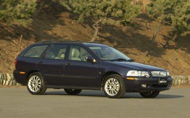 Volvo V40 T-4 75TH ANNIVERSARY RHD AT 2.0 (2001)