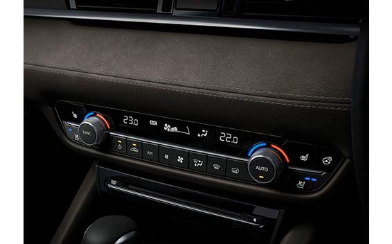 Mazda Atenza 21