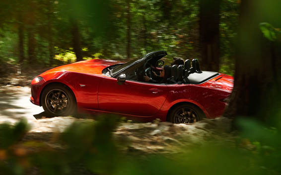 Mazda Roadster 4