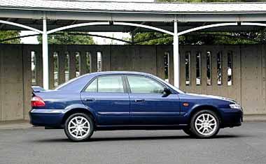 Mazda Capella 2