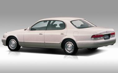 Mazda Sentia 2