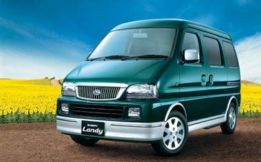 Suzuki Every Landy 1