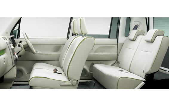 Daihatsu Move Conte Custom 3