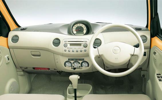 Daihatsu Esse 6