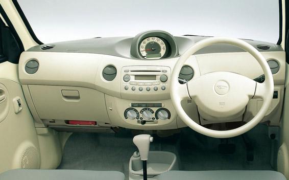 Daihatsu Esse 12