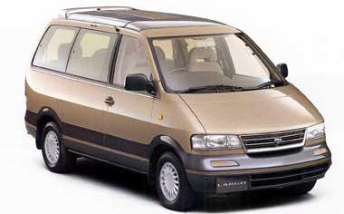 Nissan Largo 1