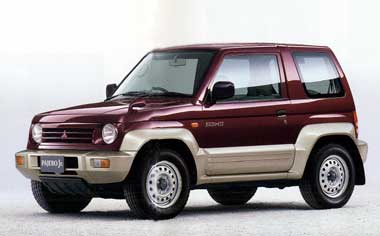 Mitsubishi Pajero Jr 1