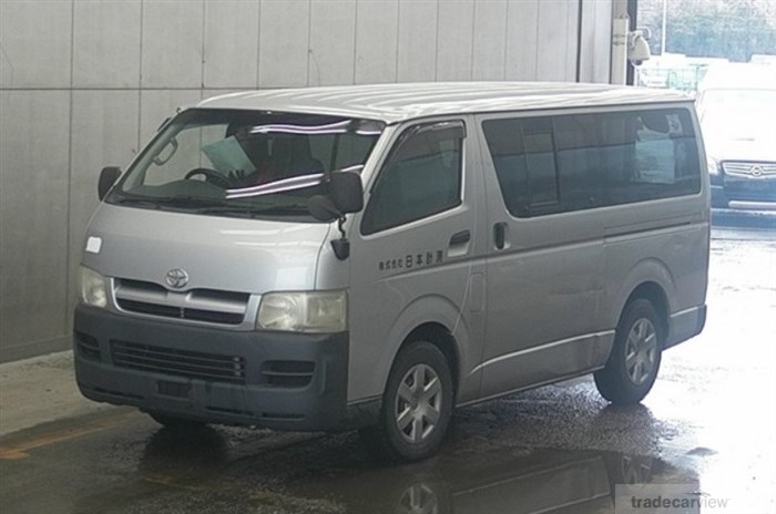 2005 Toyota Hiace Van KDH200V Excellent Condition