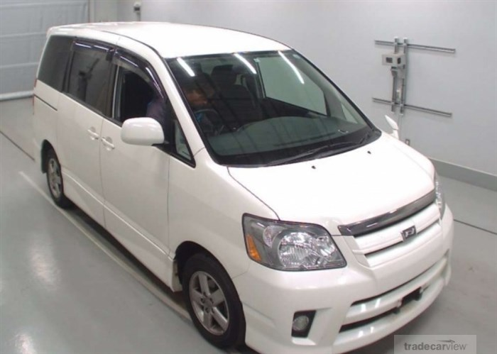 2006 Toyota Noah AZR60G Excellent Condition
