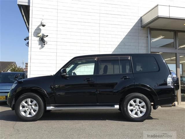 2012 Mitsubishi Pajero V98W 7Seats  Sunroof   Back camera